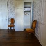 Room Monsieur